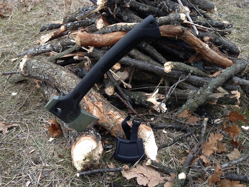 Sekira Buck kamperska BK757